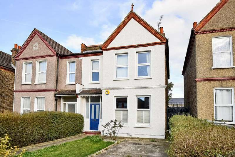 3 Bedrooms Semi Detached House for sale in Wellmeadow Road, Catford