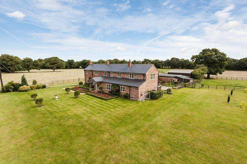 4 Bedrooms Detached House for sale in Refurbished country house sat centrally in 11 acres