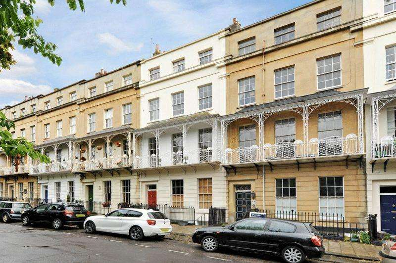 2 Bedrooms Apartment Flat for sale in Caledonia Place, Clifton