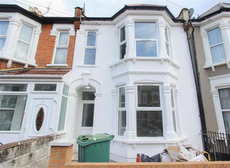 3 Bedrooms Flat for sale in Sixth Avenue, Manor Park, London, E12 5PT