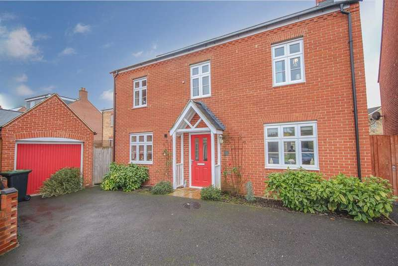 4 Bedrooms Detached House for sale in Bridge View, Shefford, SG17