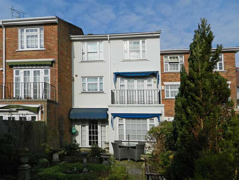 3 Bedrooms House for sale in 'Elliott House', 2 Heathfield Gate, Midhurst