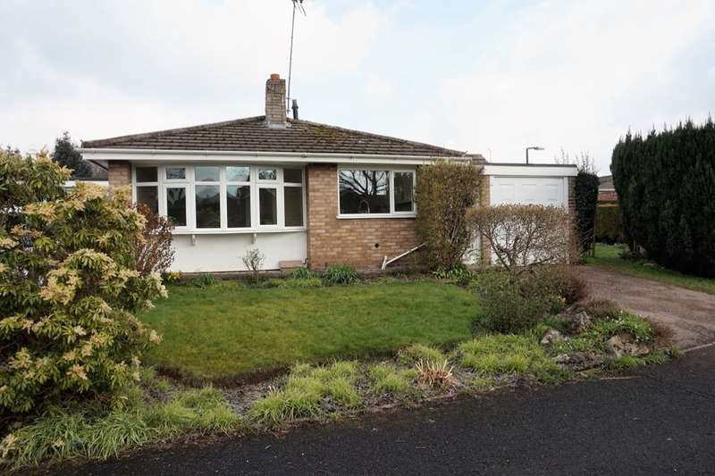 3 Bedrooms Detached Bungalow for sale in Ashtree Close, Little Haywood, Stafford, ST18
