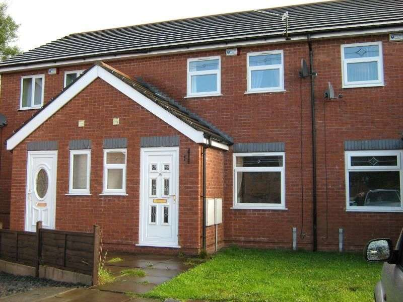 3 Bedrooms Property for rent in Forest Close, Dukinfield, SK16
