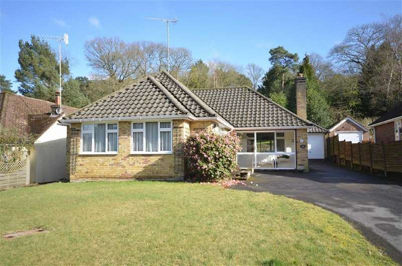 2 Bedrooms Detached Bungalow for sale in Vale Close, Lower Bourne, Farnham