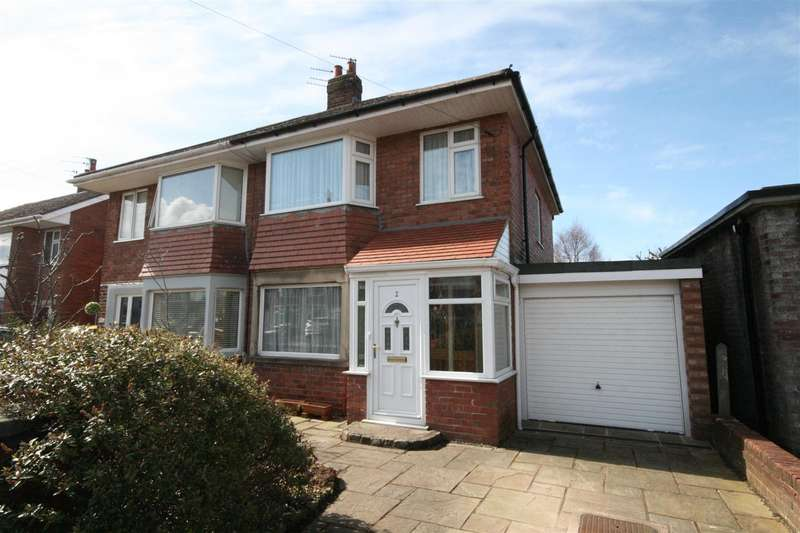 3 Bedrooms Semi Detached House for sale in Whitecoats Drive, Lytham