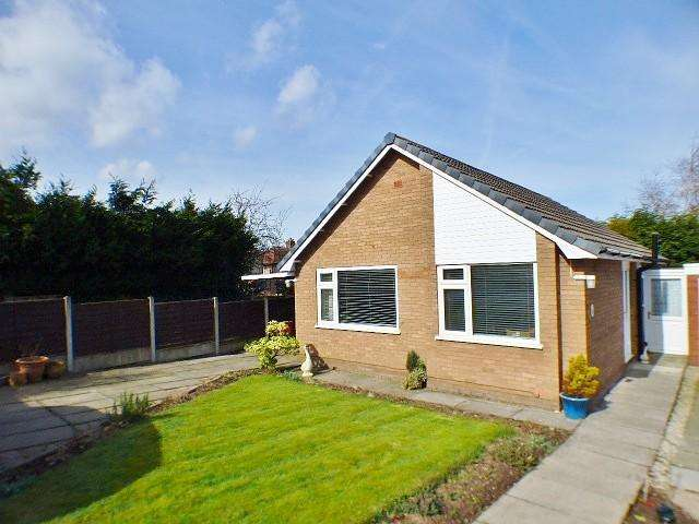 2 Bedrooms Detached Bungalow for sale in Bickerton Avenue, Frodsham