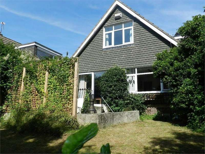 3 Bedrooms Detached House for sale in Cowley Lane, Chapeltown, SHEFFIELD, South Yorkshire