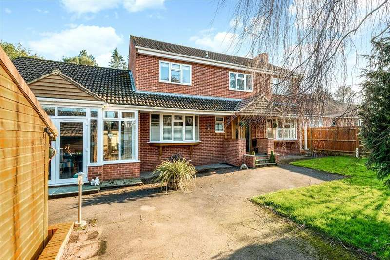 4 Bedrooms Detached House for sale in Junction Road, Alderbury, Salisbury