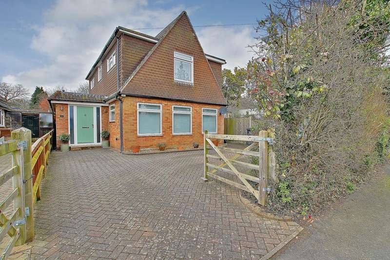 3 Bedrooms Detached House for sale in NORTH BADDESLEY