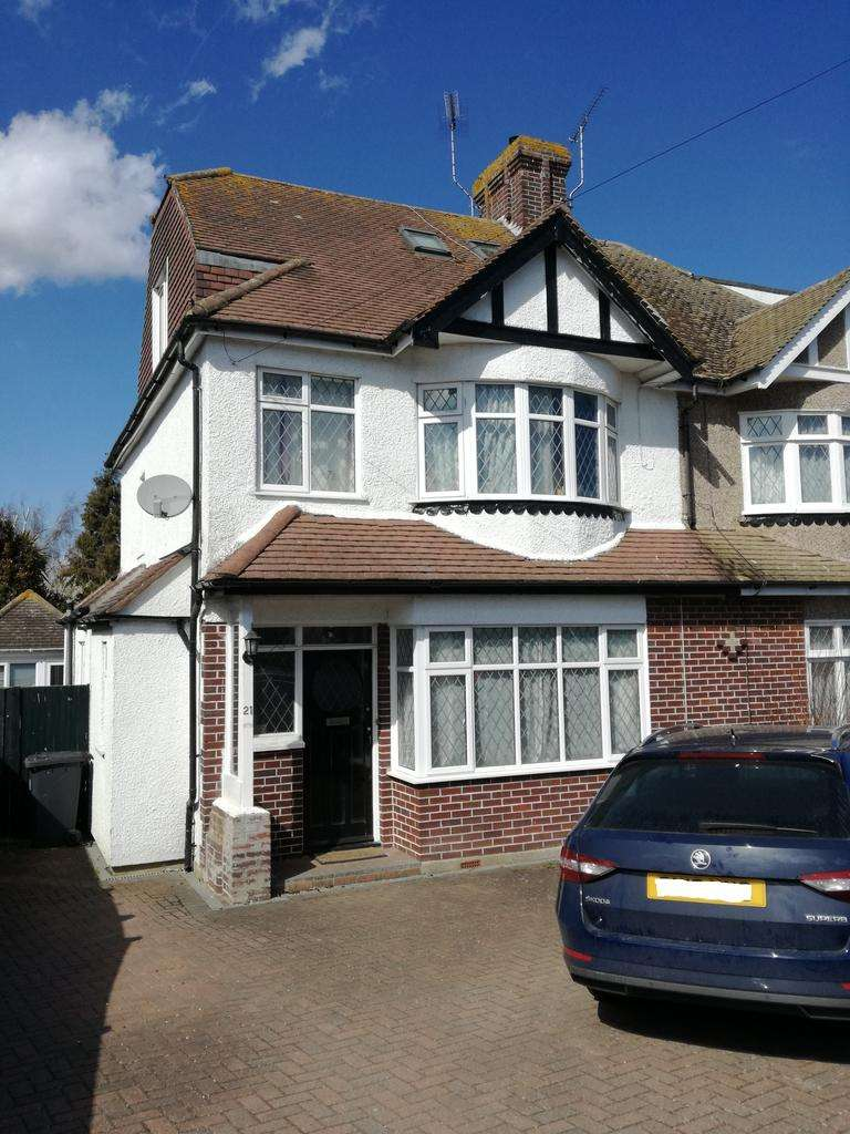 5 Bedrooms Semi Detached House for sale in Barton Road, Canterbury CT1