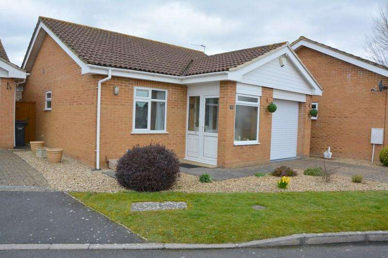 2 Bedrooms Detached Bungalow for sale in Channing Close, Burnham-On-Sea