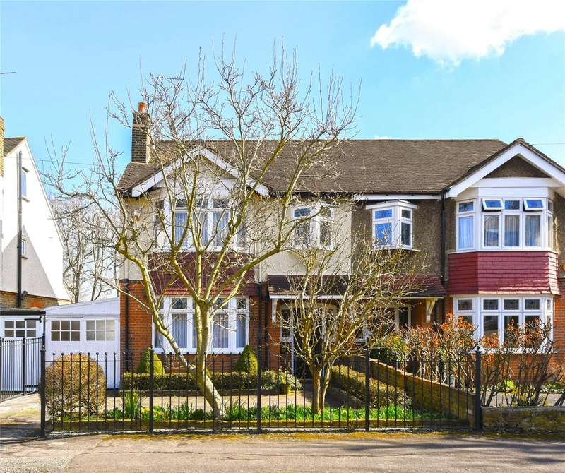 3 Bedrooms Semi Detached House for sale in Kings Avenue, Woodford Green, Essex, IG8