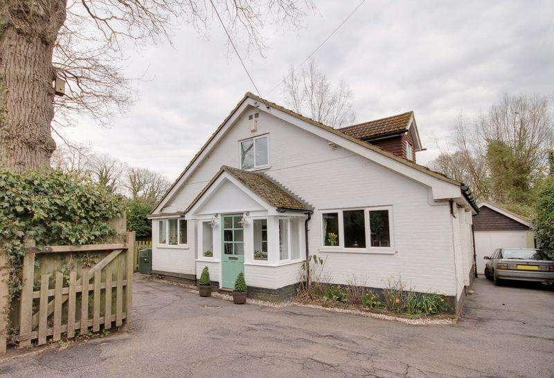 3 Bedrooms Detached House for sale in Bonfire Lane, Horsted Keynes, West Sussex