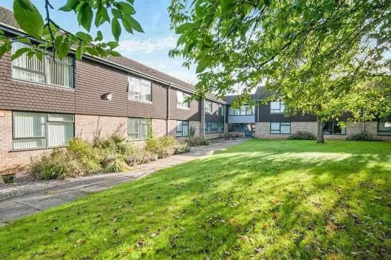 1 Bedroom Apartment Flat for sale in Field Court, Stanton, BURY ST. EDMUNDS IP31 2AX