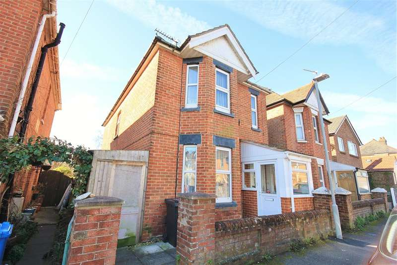3 Bedrooms Detached House for sale in Cheltenham Road, Parkstone, Poole