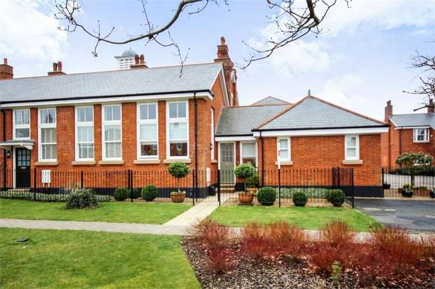 2 Bedrooms Flat for sale in Kensington Way, Brentwood, Essex
