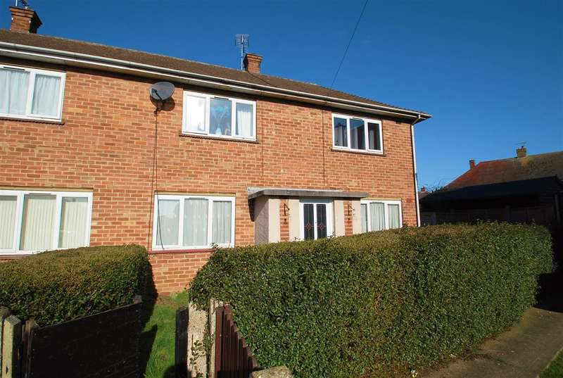 3 Bedrooms Terraced House for sale in Tarran Way, Skegness