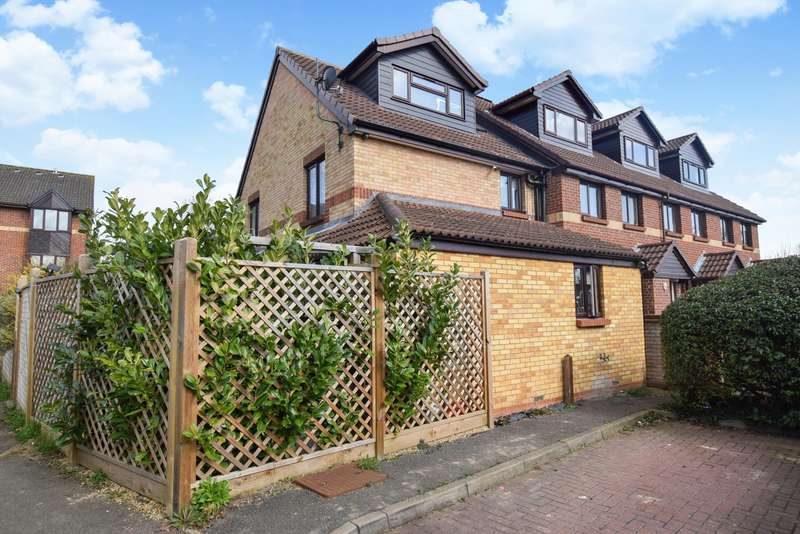 3 Bedrooms Terraced House for sale in Maypole Road, Taplow, Maidenhead, SL6