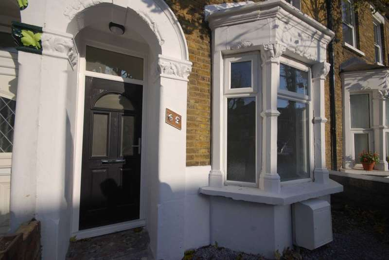 3 Bedrooms House for sale in Calderon Road, Leytonstone