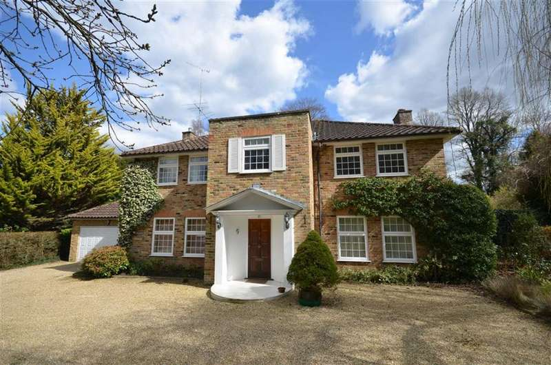 5 Bedrooms Detached House for sale in Star Hill Drive, Churt, Farnham