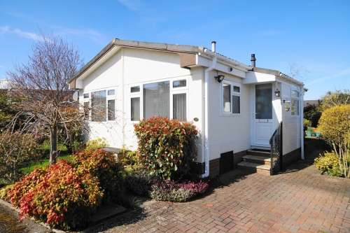 1 Bedroom Park Home Mobile Home for sale in Selwood Park, Kinson