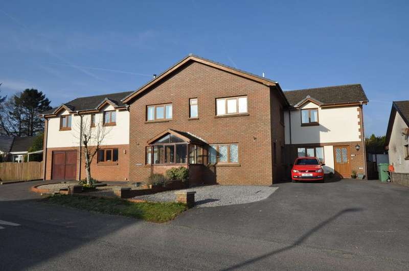 3 Bedrooms Detached House for sale in Brynderwen, Llangain, Carmarthenshire SA33 5AE