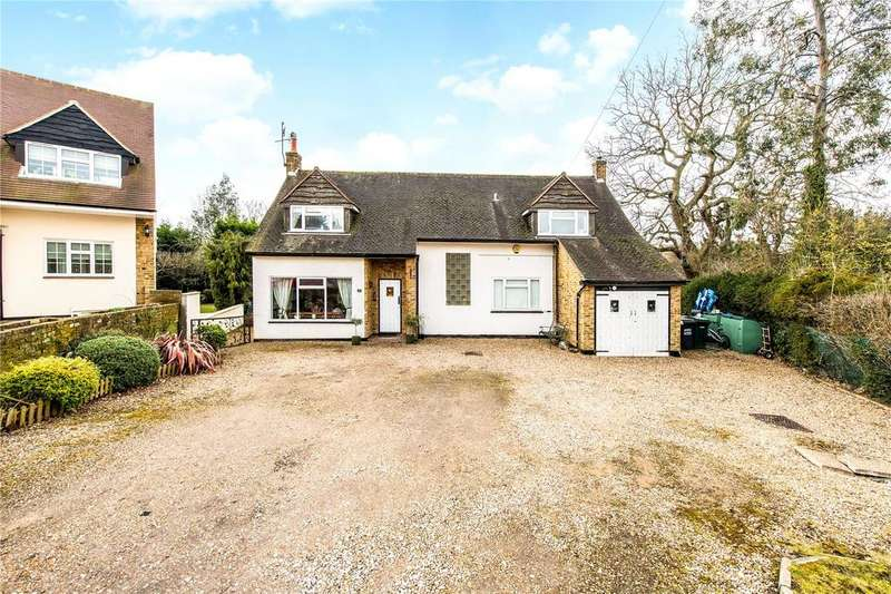 4 Bedrooms Detached House for sale in Heathside Close, Moor Park, Middlesex, HA6