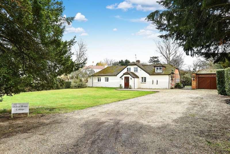 5 Bedrooms Cottage House for sale in Windsor, Berkshire, SL4