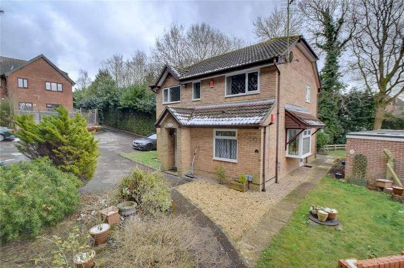 2 Bedrooms Maisonette Flat for sale in Farmhouse Way, Lovedean, Hampshire