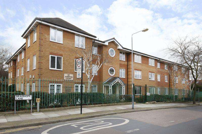 1 Bedroom Apartment Flat for sale in Bramhope Lane, Charlton
