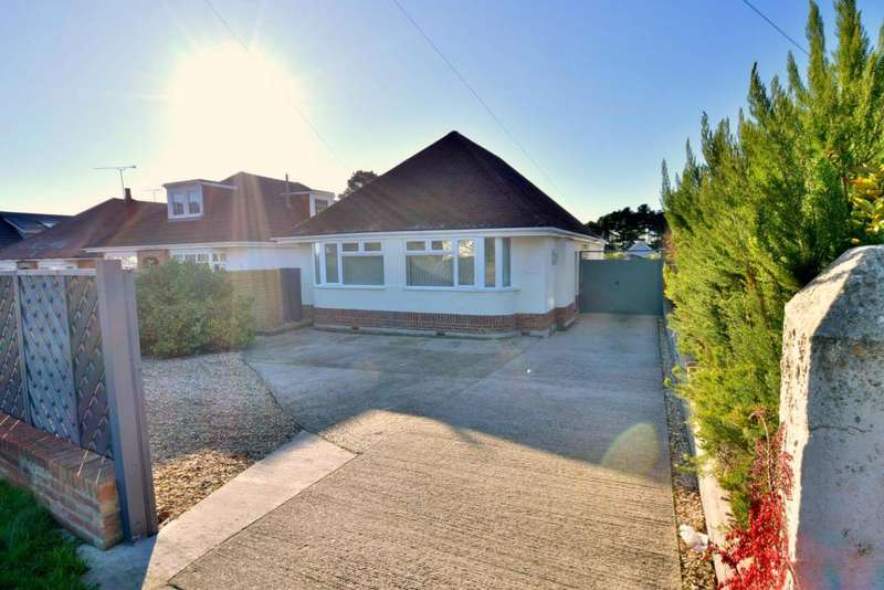 3 Bedrooms Detached Bungalow for sale in Napier Road, Hamworthy, Poole, BH15 1LX