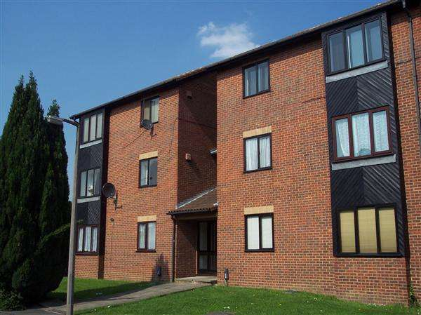 1 Bedroom Apartment Flat for sale in Bruce Close, Windsor Meadows, Cippenham