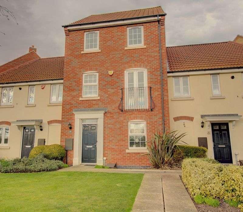 4 Bedrooms Property for sale in Wharton Crescent, Beeston. Nottingham