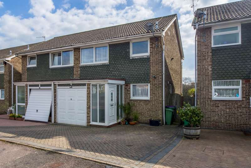 3 Bedrooms Semi Detached House for sale in Conniston Ave, Folkstone CT19