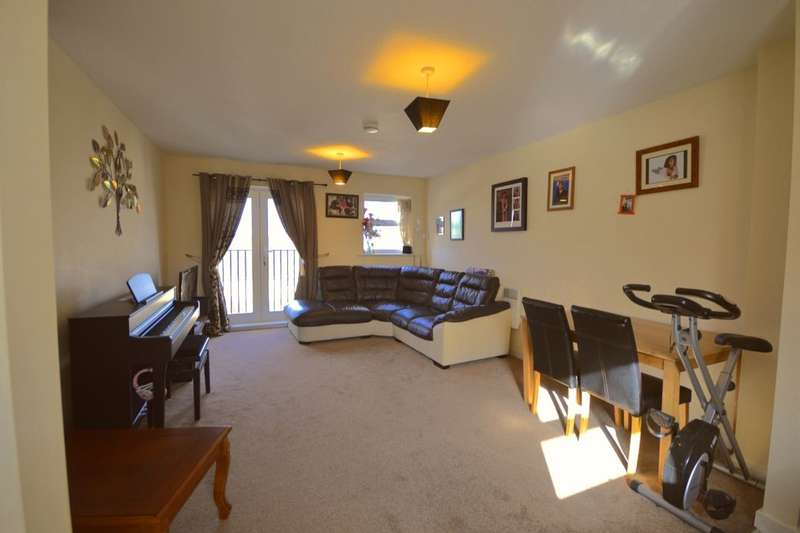 2 Bedrooms Flat for sale in Harvest End, Watford, WD25
