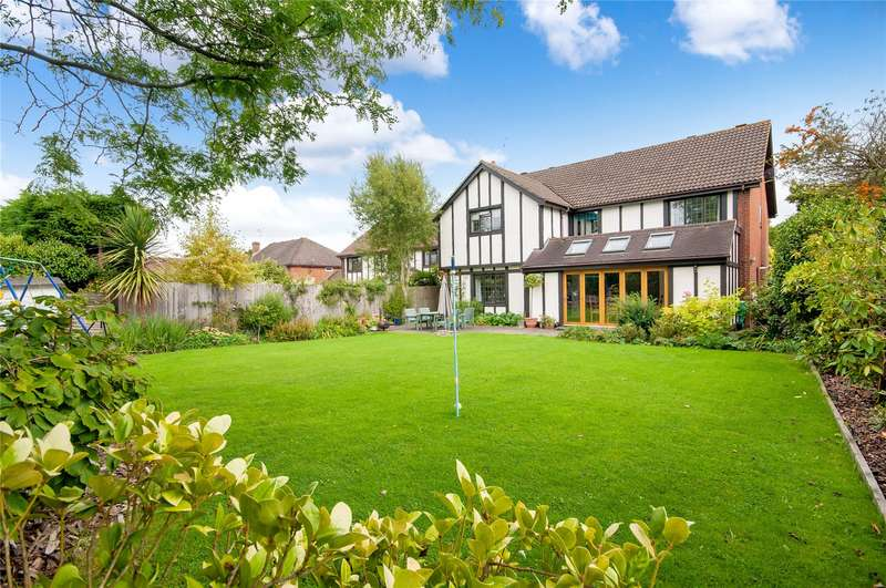 5 Bedrooms Detached House for sale in Heathway, East Horsley, Leatherhead, Surrey, KT24