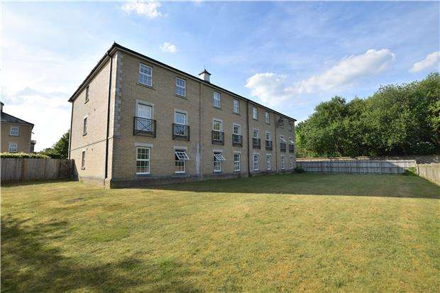 2 Bedrooms Flat for sale in Mandelbrote Drive, Littlemore, OXFORD, OX4 4XG