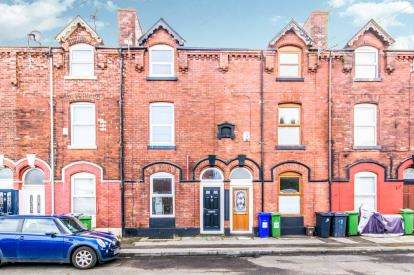 3 Bedrooms Terraced House for sale in Nile Street, Ashton-Under-Lyne, Greater Manchester