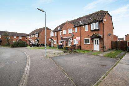 2 Bedrooms End Of Terrace House for sale in Evans Close, Houghton Regis, Dunstable, Bedfordshire