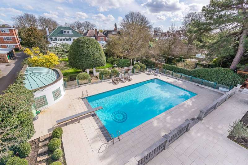 5 Bedrooms Detached House for sale in Hartington Road, Chiswick, W4