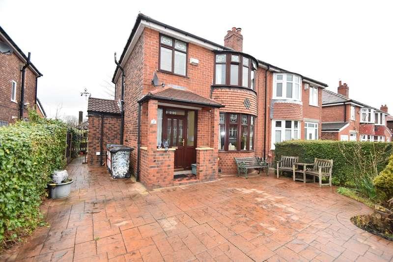 3 Bedrooms Semi Detached House for sale in Leslie Avenue, Bury, BL9