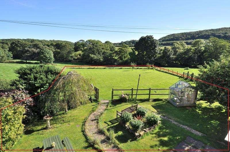3 Bedrooms Semi Detached House for sale in Fairleigh Cottages, Michaelston-le-Pit, Near Dinas Powys CF64 4DE