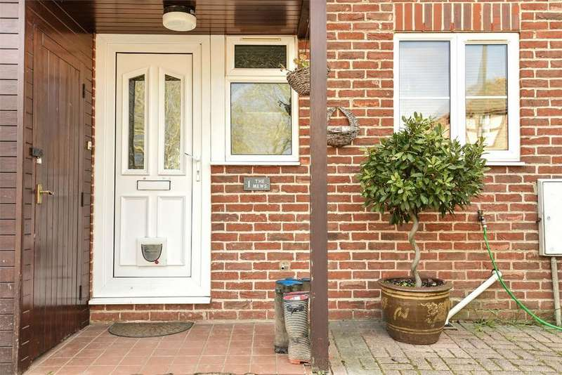 3 Bedrooms End Of Terrace House for sale in Colden Common, Winchester, Hampshire