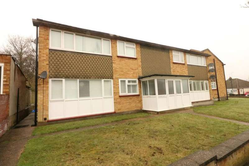 2 Bedrooms Ground Flat for sale in Woodside, Leigh-on-Sea