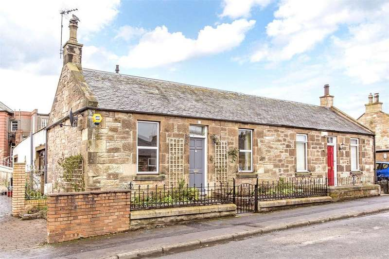 3 Bedrooms Semi Detached House for sale in 13 Union Park, Bonnyrigg, Midlothian, EH19
