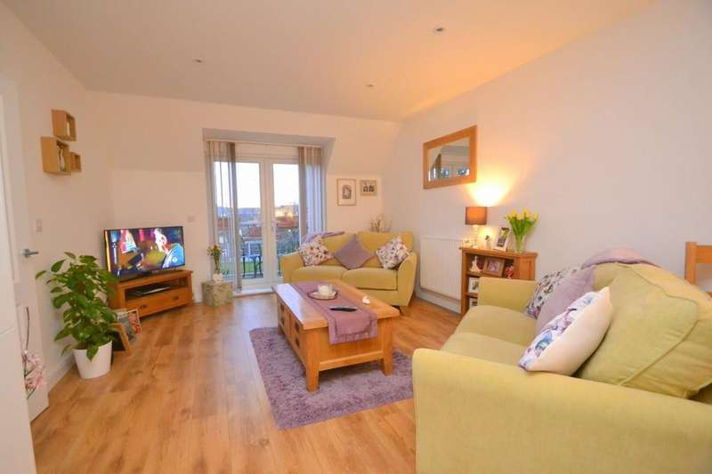 2 Bedrooms Flat for sale in Church Court, Church Road, CM3 3RA