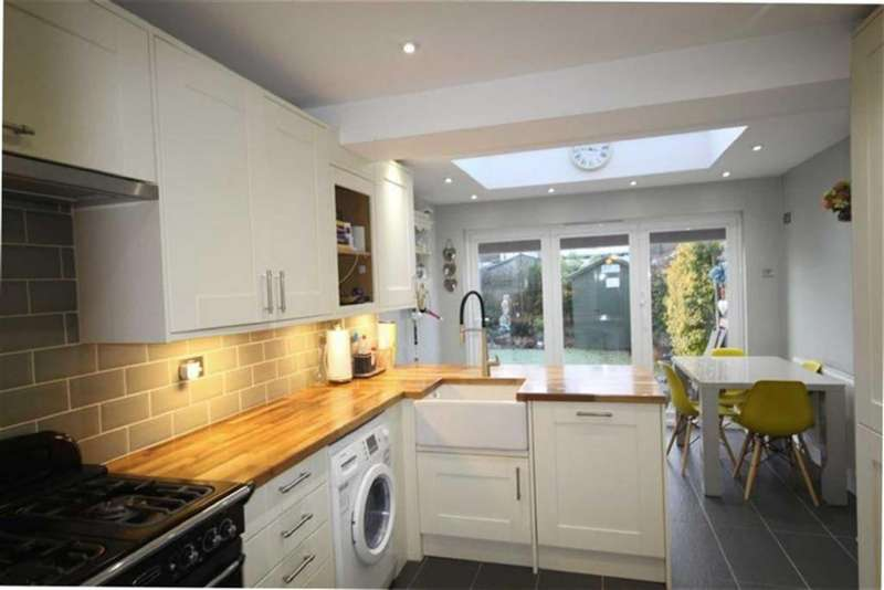 4 Bedrooms Semi Detached House for sale in The Drive, High Barnet, Herts, EN5