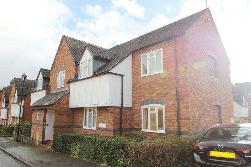 2 Bedrooms Ground Flat for sale in Chestnut Court, Gas House Lane, Alcester