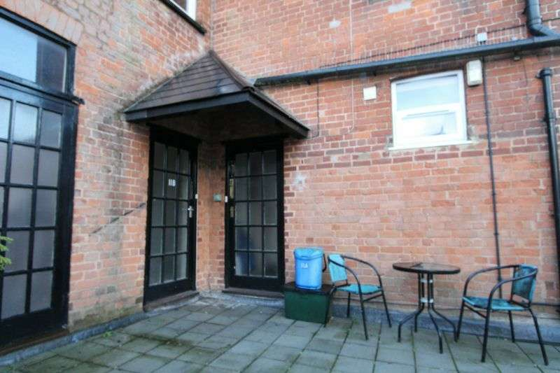 1 Bedroom Flat for rent in * BROAD STREET * OTTERY St MARY *